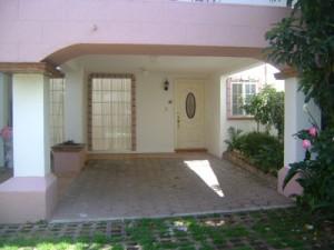rento casa en condominio horizontal
