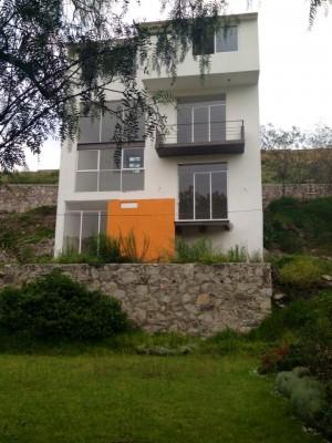 hermosa residencia en fraccionamiento vilaterra