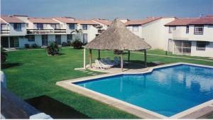 ** rento villa en acapulco **