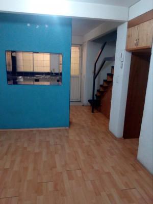 rento bonita casa de infonavit de 3 pisos a 5 min.de atizapan