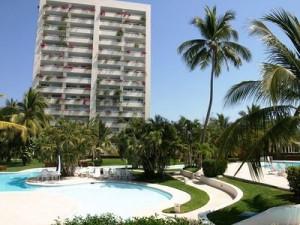 ixtapa condominio de lujo  frente playa principal